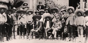 zapata_emiliano 1914 con sus hombres-chico